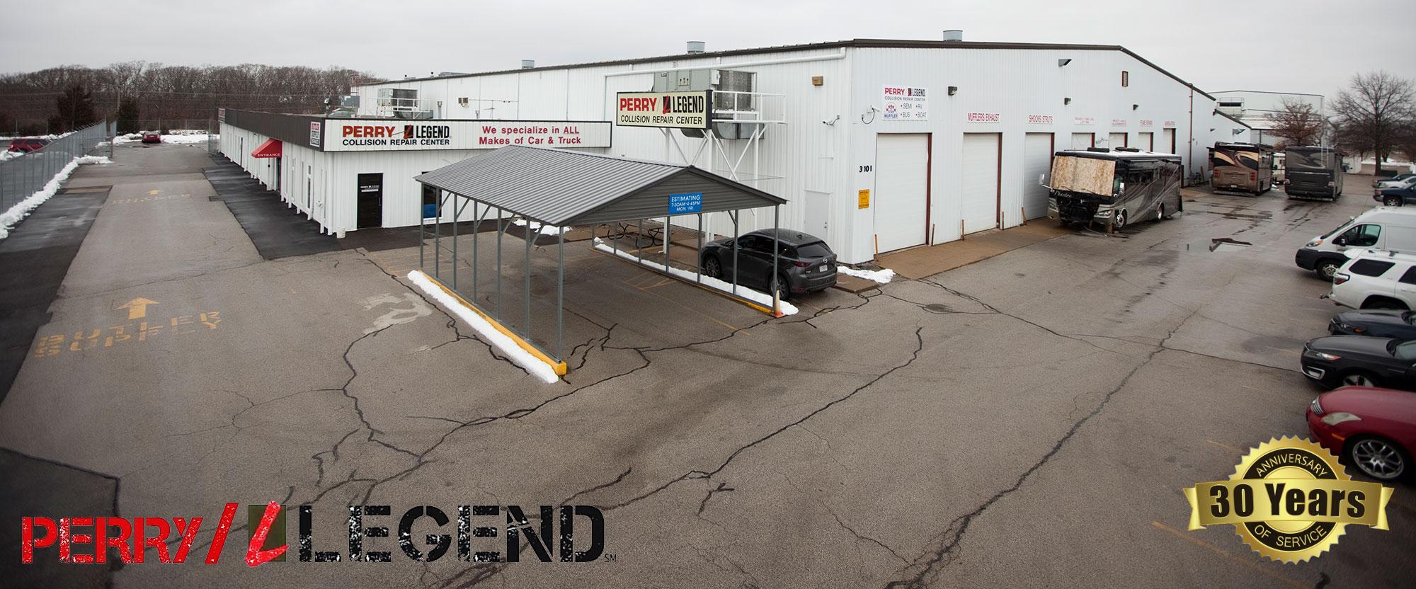 Perry Legend Collision Large Vehicle Repair Center Big Rigs Semis Trucks Buses Trailers Coaches Dump Trucks in Columbia Missouri