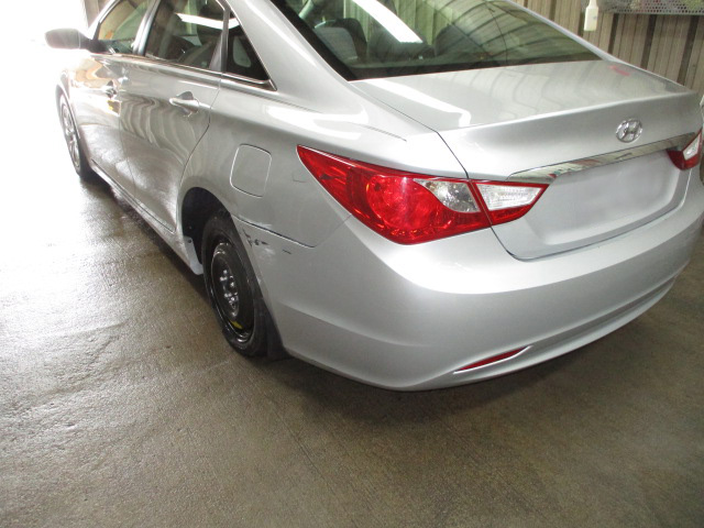 Rear-Bumper-Fender-Trunk-Bodywork-from-Side-Crash-Accident-on-a-Hyundai-Four-Door-Sedan-Car-by-Perry-Legend-Collision-Repair-Center-in-Columbia-Missouri-Before.